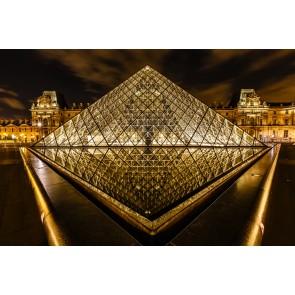 Paris Louvre Piramidi