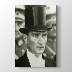 Atatürk ve Şapkası Tablosu | Atatürk Tabloları - duvargiydir.com
