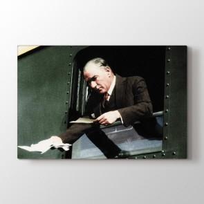 Atatürk Trende Tablosu | Atatürk Tabloları - duvargiydir.com